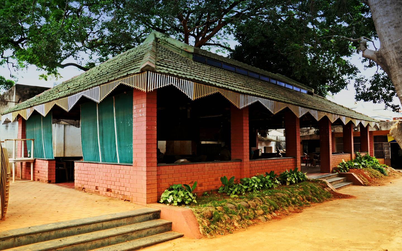 Tumkur club r facilities services